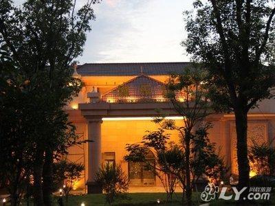 南昌金燕国际温泉城附近酒店