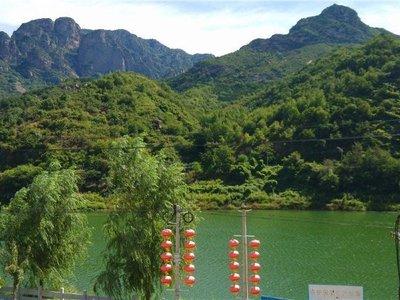北京玻璃台风景区高山情农家院图片