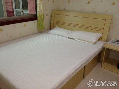 宁津欧式家具床图片