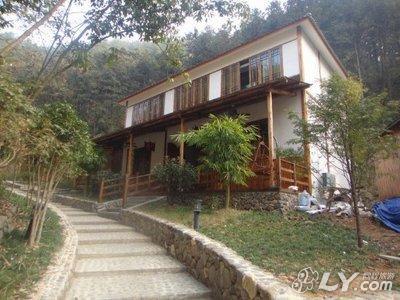 您所在位置: 同程首页 酒店预订 杭州酒店预订 俞家村(2)附近宾馆  1
