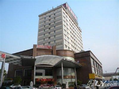青浦区白鹤镇委附近宾馆