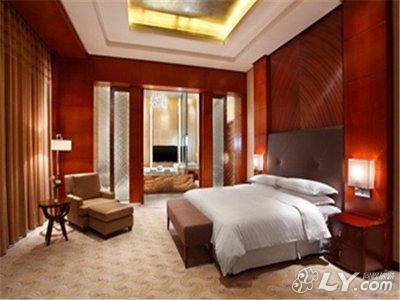 鹤岗俄罗斯三香御大酒店图片