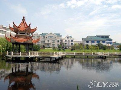 安庆红旗小区附近宾馆