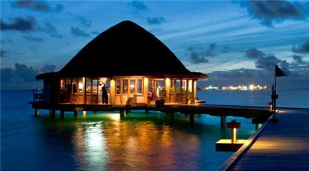 4晚6日自助游   精品酒店 ★酒店名称:马尔代夫薇拉瓦鲁海龟岛 ★酒店